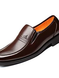 Недорогие -Муж. Искусственная кожа / Полиуретан Осень Формальная обувь Мокасины и Свитер Черный / Коричневый