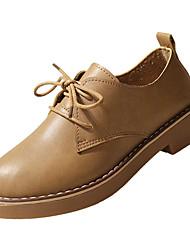 baratos -Mulheres Sapatos Couro Ecológico Outono Com Laço Oxfords Salto Baixo Ponta Redonda Preto / Bege / Marron