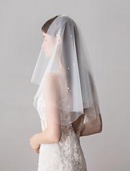 Недорогие -Два слоя Милая Свадебные вуали Фата до локтя с Искусственный жемчуг 23,62 В (60 см) Хлопок / нейлон с намеком на участке / Классическая