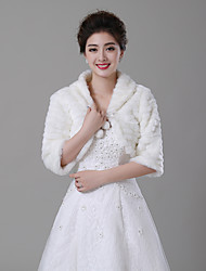 cheap -Half Sleeve Faux Fur Wedding / Party / Evening Women's Wrap With Pendant Shrugs