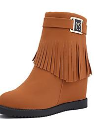 Недорогие -Жен. Армейские ботинки Замша Осень На каждый день Ботинки Туфли на танкетке Сапоги до середины икры С кисточками Черный / Коричневый