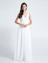 baratos -Tubinho Decote V Longo Chiffon Vestido de Madrinha com Pregas de LAN TING BRIDE®