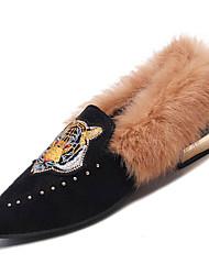 Недорогие -Жен. Комфортная обувь Полиуретан Зима На каждый день Мокасины и Свитер На низком каблуке Животные принты Черный / Темно-коричневый / Повседневные
