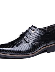 baratos -Homens Sapatos Confortáveis Couro Outono Oxfords Preto / Marron
