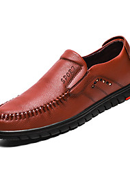 hesapli -Erkek Ayakkabı PU Bahar Günlük Mokasen & Bağcıksız Ayakkabılar Günlük için Siyah / Kahverengi