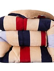 Недорогие -удобный - 1 одеяло Осень / Зима Микрофибра Полоски / Геометрический принт