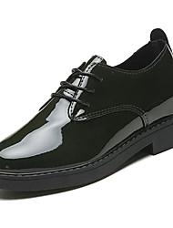 halpa -Naisten Kiiltonahka Kevät Vapaa-aika Oxford-kengät Matala korko Valkoinen / Musta / Vihreä