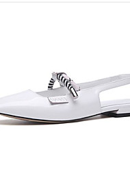 ieftine -Pentru femei Microfibre Vară Dulce / minimalism Sandale Toc Drept Vârf rotund Paiete Alb / Negru / Rosu
