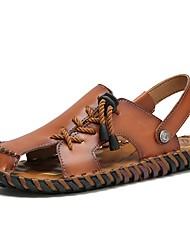 Недорогие -Муж. Комфортная обувь Кожа Лето Сандалии Темно-русый / Темно-коричневый