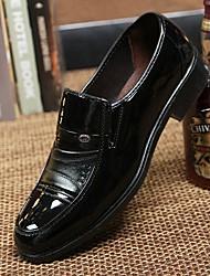 baratos -Homens Sapatos Confortáveis Couro Ecológico Primavera & Outono Oxfords Preto / Marron