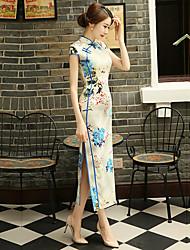 Недорогие -Взрослые Жен. Китайский дизайн В китайском стиле Оса-Waisted Cheongsam Назначение Выступление Помолвка Девичник Полиэстер Длинный Чонсам