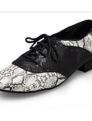 olcso -Férfi Modern cipők PU Félcipő Vastag sarok Dance Shoes Fekete / Fehér