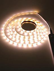 Недорогие -2м беспроводной датчик движения pir светодиодный шкаф-кровать ночник 5v 2835 светодиодные полосы aaa питание от батареи гибкая лампа подсветка 5v