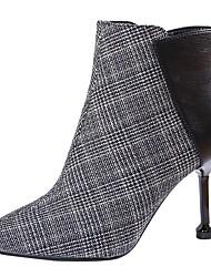 baratos -Mulheres Microfibra Outono & inverno Casual Botas Salto Agulha Dedo Apontado Botas Curtas / Ankle Preto / Vermelho