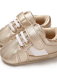 ราคาถูก -เด็กผู้ชาย / เด็กผู้หญิง PU รองเท้าผ้าใบ ทารก (0-9m) / เด็กวัยหัดเดิน (9m-4ys) สำหรับการเดินครั้งแรก สีทอง / ขาว / สีดำ ฤดูใบไม้ผลิ / ตก