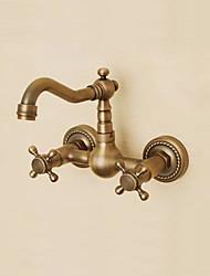 Недорогие -Ванная раковина кран - Широко распространенный Античная медь На стену Два отверстия / Две ручки три отверстияBath Taps