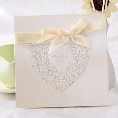 """tanie Zaproszenia ślubne-Najlepiej Fold Zaproszenia ślubne 50 - Zaproszenia Styl klasyczny / Styl kwiatowy Perłowy papier 6 """"x 6"""" (15 * 15cm)"""