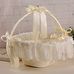 krásné svatební květina košík plátěné stuhy oblouk svatební obřad