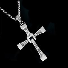 Miesten Riipus-kaulakorut Cross Shape Zirkoni jäljitelmä Diamond Metalliseos Muoti ylellisyyttä koruja Hopea Korut VartenHäät Party