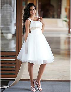 billiga Balbrudklänningar-Prinsessa Scoop Neck Knälång Satäng / Tyll Bröllopsklänningar tillverkade med Bård / Bälte / band av LAN TING BRIDE® / Liten vit klänning