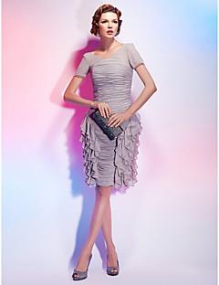 billiga Klänningar till speciella tillfällen-Åtsmitande V-hals Knälång Chiffong Cocktailfest Klänning med Veckad Fallande volanger av TS Couture®
