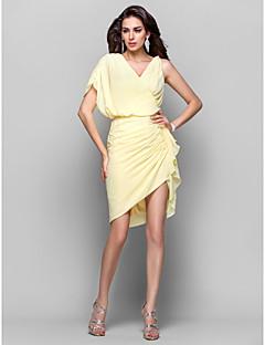 billiga Balklänningar-Åtsmitande V-hals Asymmetrisk Chiffong Cocktailfest Klänning med Sidodraperad / Veckad av TS Couture®