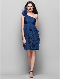 billiga Cocktailklänningar-Åtsmitande Enaxlad Knälång Chiffong Cocktailfest Klänning med Fallande volanger / Blomma av TS Couture®