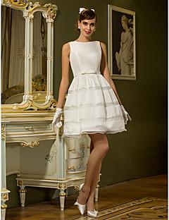 billiga Brudklänningar-A-linje Bateau Neck Kort / mini Taft Bröllopsklänningar tillverkade med Bälte / band / Knapp av LAN TING BRIDE®