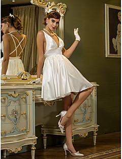 billiga A-linjeformade brudklänningar-A-linje Dunkel halsringning Kort / mini Stretchig satäng Bröllopsklänningar tillverkade med Draperad av LAN TING BRIDE® / Vacker i svart