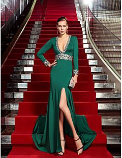billiga Kändisklänningar-Åtsmitande Dunkel halsringning Svepsläp Jersey Formell kväll Klänning med Kristalldetaljer av TS Couture®
