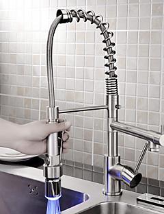 お買い得  Sprinkle® キッチン用蛇口-Sprinkle®キッチン用水栓 - コンテンポラリー ブラシ センターセットタイプ 引出式 LED 一つ