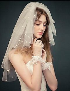 Menyasszonyi fátyol Négy polccal Pironkodó (blusher) fátylak Könyékig érő fátylak Vágott szegély Tüll Fehér Elefántcsontszín