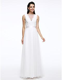 billiga Brudklänningar-A-linje Bateau Neck Golvlång Spets / Tyll Bröllopsklänningar tillverkade med Bälte / band / Knapp av LAN TING BRIDE® / Genomskinliga