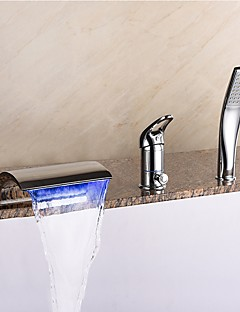 billige LED Badekarskran-Moderne Udspredt Foss Hånddusj Inkludert LED Keramisk Ventil Tre Huller Enkelt håndtak tre hull Krom, Badekarskran
