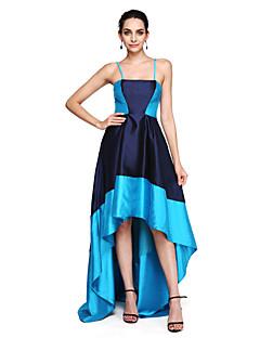 billige Mønstrede og ensfargede kjoler-A-linje Spagettistropper Asymmetrisk Sateng Asymmetrisk lengde / Fargeblokk Skoleball / Formell kveld Kjole med Plissert av TS Couture®