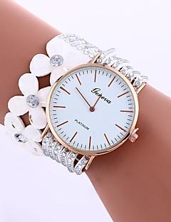 billige Armbåndsure-Geneva Dame Quartz Armbåndsur Kjoleur Sportsur Kinesisk Hot Salg Stof Bånd Vedhæng Blomst Kreativ Afslappet Mode Mangefarvet