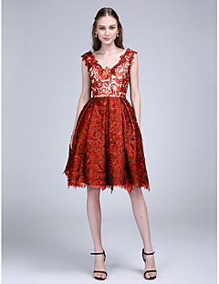 fb84492016ef Βραδινή τουαλέτα Λαιμόκοψη V Μέχρι το γόνατο Δαντέλα Κοκτέιλ Πάρτι    Χοροεσπερίδα Φόρεμα με Δαντέλα με TS Couture®