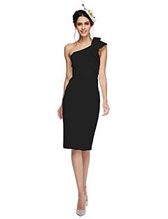 billiga Aftonklänningar-Åtsmitande Enaxlad Knälång Satäng Cocktailfest / Återföreningsfest / Bal Klänning med Rosett(er) av TS Couture®