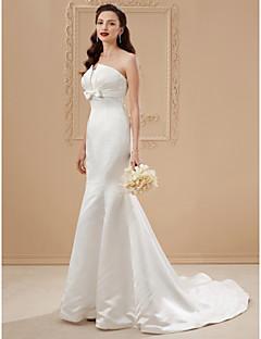 billiga Plusstorlek brudklänningar-Trumpet / sjöjungfru Axelbandslös Svepsläp Satäng Bröllopsklänningar tillverkade med Rosett(er) / Draperad av LAN TING BRIDE®