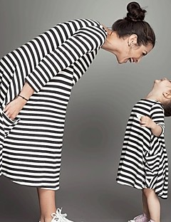 billige Sett med familieklær-Baby Mamma og meg Stripet 3/4 ermer Kjole