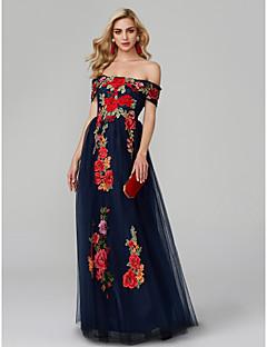 Χαμηλού Κόστους Παστέλ μπουκέτα-Γραμμή Α Ώμοι Έξω Μακρύ Δαντέλα πάνω από τούλι Μπλοκ χρωμάτων Χοροεσπερίδα / Επίσημο Βραδινό Φόρεμα με Κέντημα με TS Couture®