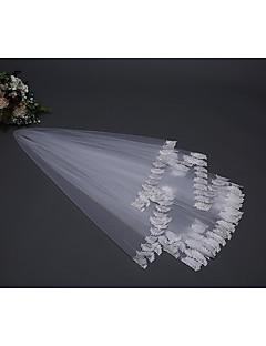 billiga Brudslöjor-Ett lager Blomstil / Mesh / Konvertibel klänning Brudslöjor Axel Slöjor med Utspridda pärlbroderi blommotiv 59.06 in (150cm) POLY / Tyll / Oval