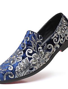 baratos -Homens Sapatos formais Cetim Outono & inverno Clássico / Formais Mocassins e Slip-Ons Respirável Preto / Vermelho / Azul / Festas & Noite