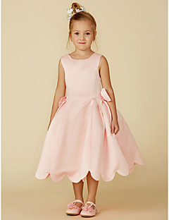 tanie Sukienki dla dziewczynek z kwiatami-Balowa Lekko nad kolana Sukienka dla dziewczynki z kwiatami - Satyna Bez rękawów Zaokrąglony z Kokardki przez LAN TING BRIDE®