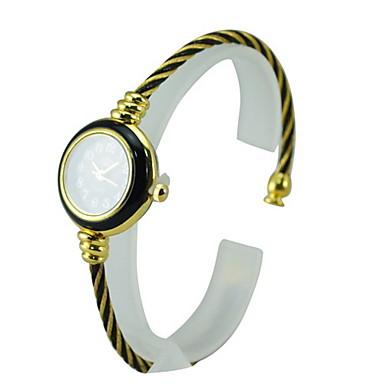 Women's Alloy Quartz Movement Glass Round Watch