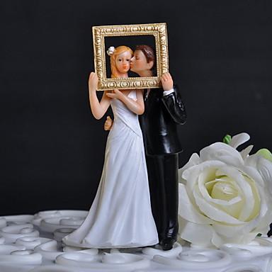Pasta Üstü Figürler Klasik Tema Klasik Çift ile Çiçekli Hediye Kutusu