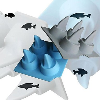 Shark Ice Mould Silicone Ice Cubes Tray Pudding Jelly Mold  4x4x2inch (Random Color)