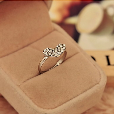 Women's Alloy Ring With Heart