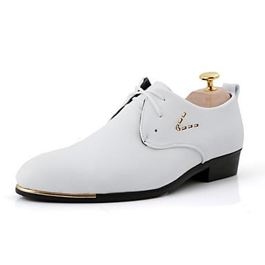 Masculino sapatos Courino Primavera Verão Outono Inverno Conforto Sapatos formais Oxfords Tachas Cadarço Bico Metálico Para Casual Festas