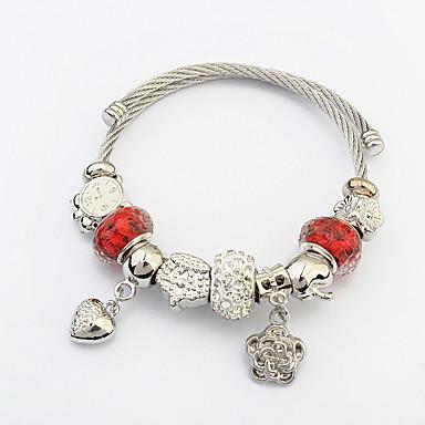 Naisten Amuletti-rannekorut Love Muoti Eurooppalainen Teräs Heart Korut Joululahjat Lahja mielitietty Pukukorut